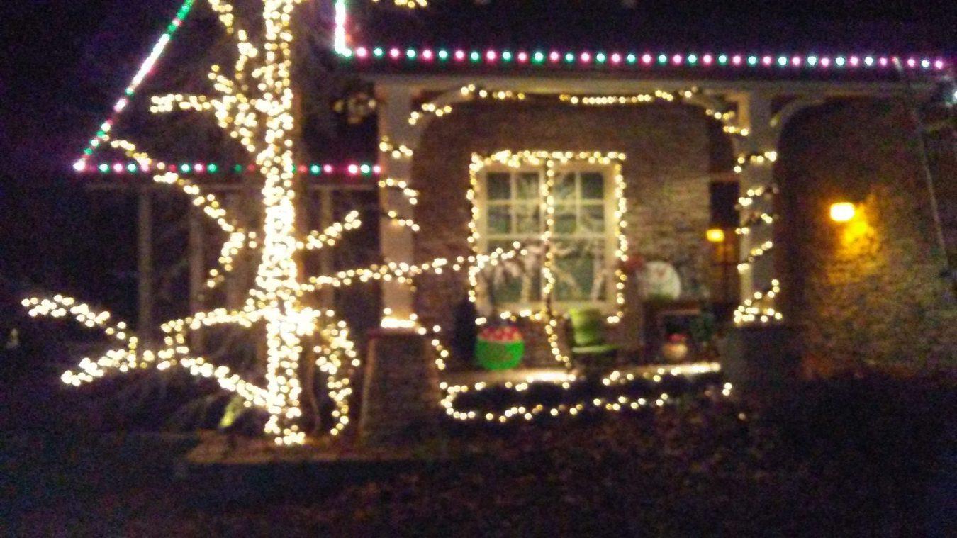 holiday-lighting-porch