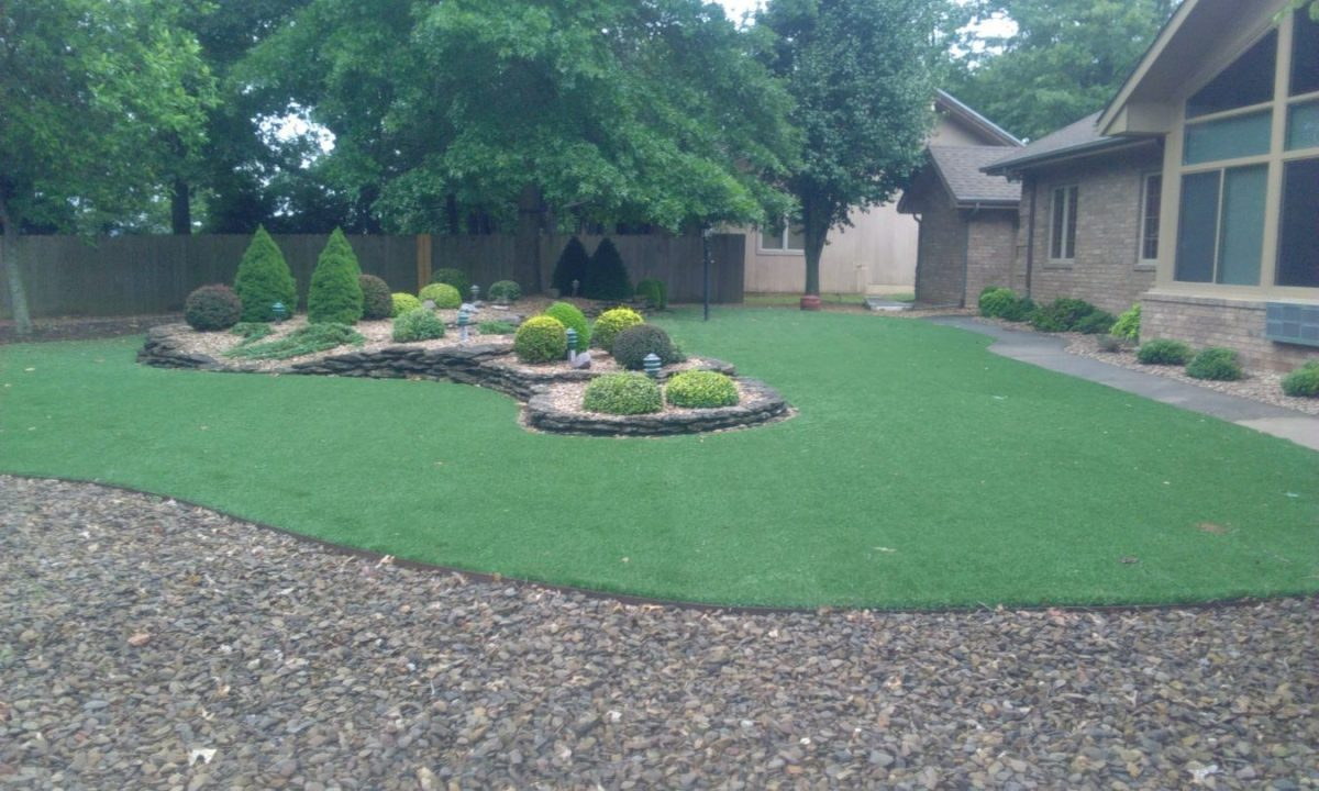 artificial turf in gravel lawn